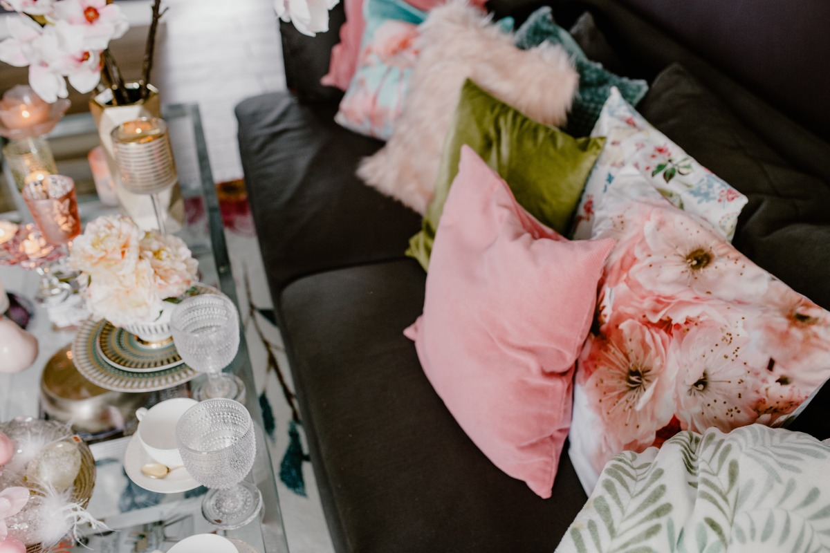 kaboompics_Porcelain, glass dishware on the glass table and pillows.jpg